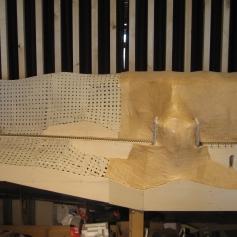Dann das Holz auskleiden / Then covering up the wood
