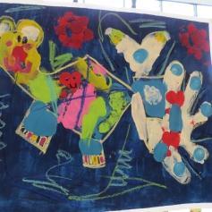 Ihr farbenfrohes Kunstwerk / Her colorful artwork