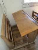 Schulbank / School desk