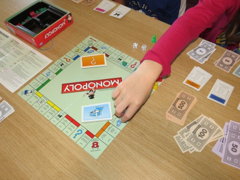 Monopoly an einem regnerischen Tag / Monopoly on a rainy day