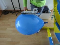 Mit Luftdruck geht die Rakete ab! / The rocket rocks with air pressure!