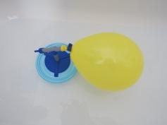 Luftdruck-Karussel im Wasser / Air pressure carousel in the water