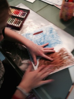 Mit dem Finger verstrichen / Rubbed with fingers