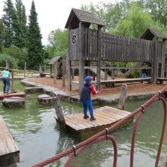 Der Spielplatz ist auch super / The playground is also fun