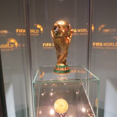 Offizieller Weltcup Pokal / Official World Cup trophy
