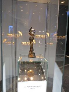 Frauen Weltcup Pokal / Women's world cup trophy