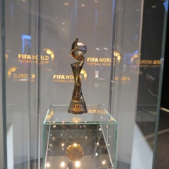 Frauen Weltcup Pokal / Women's world cup trophy