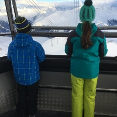 Runter in der Kabelbahn / Going down in the cable car
