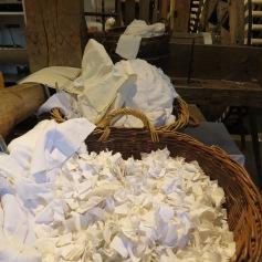Stoffreste fürs Papierschöpfen